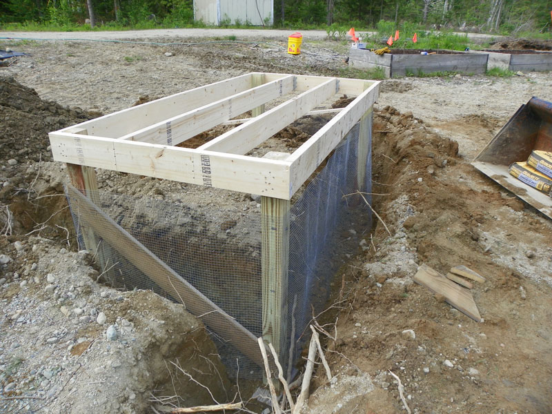 Free downeast thunder farm chicken coop plans downeast for Moving chicken coop plans