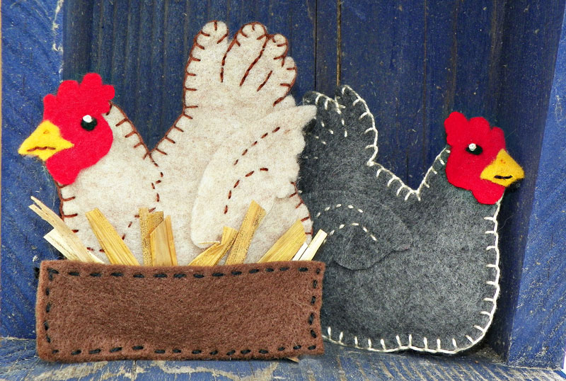A Buff in the Box – Felt Chicken Ornament Pattern
