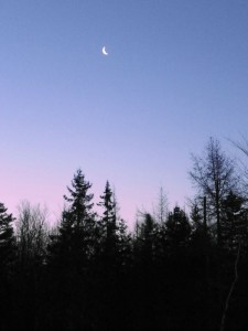waxing crescent moonset