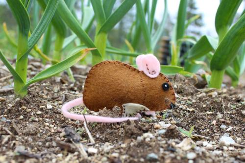 the garden mouse felt pattern