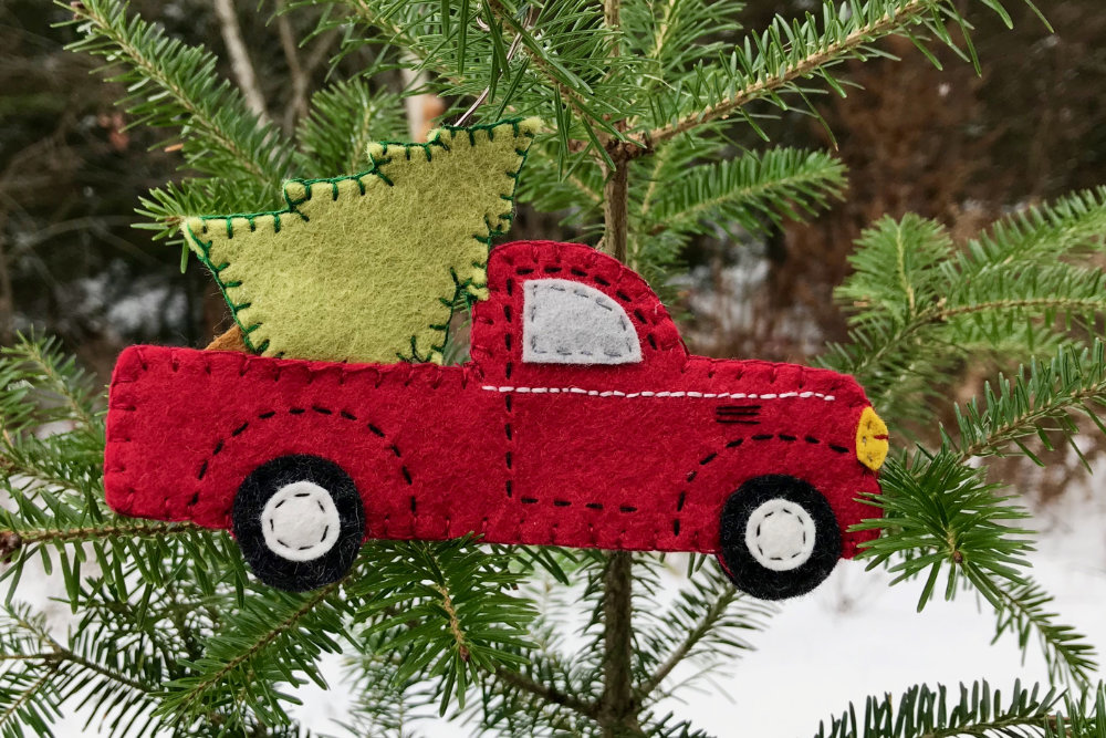 Vintage Red Truck Christmas Decor.Vintage Red Truck With Christmas Tree Downeast Thunder Farm