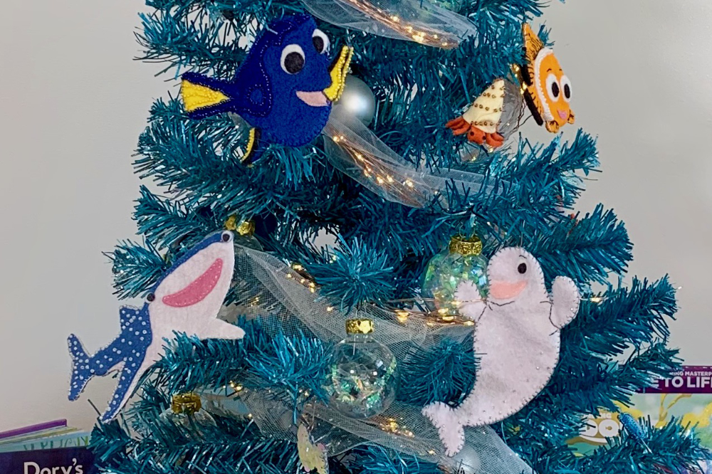 Hannah's Magical Dory and Friends Christmas Tree